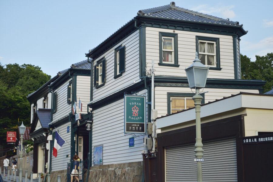 クラシックな洋館みたいな外観の家に住む!横浜や神戸の洋館、夢を叶えた家づくりの事例を紹介